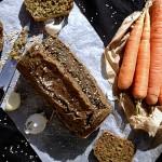 Cake rustique aux fanes de carottes #vegan