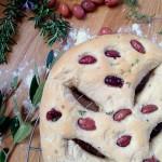 Fougasse aux olives, thym et romarin #vegan