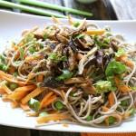 Salade de nouilles soba aux shiitakés pour le concours Happy Veggie