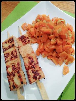Brochettes de tofu asiatisantes