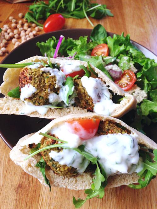 Falafels Pain Pita Sauce A La Menthe Vegan Green Cuisine