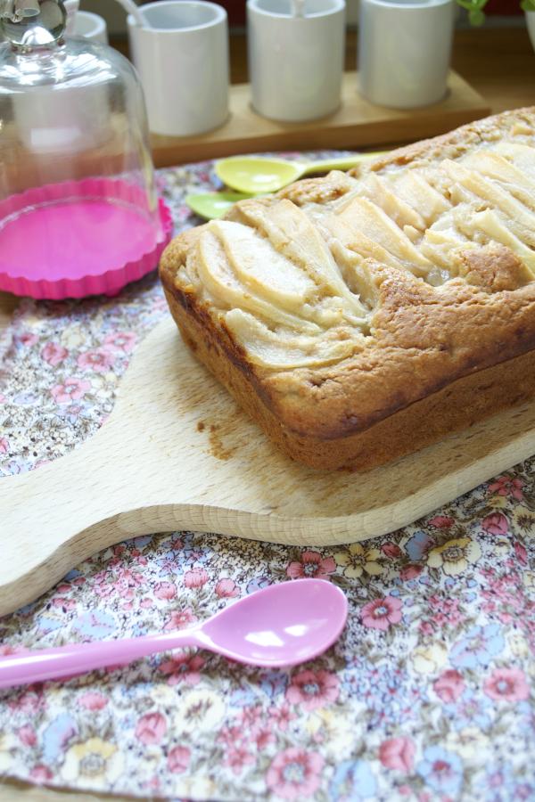Gâteau de base vegan aux poires végétalien