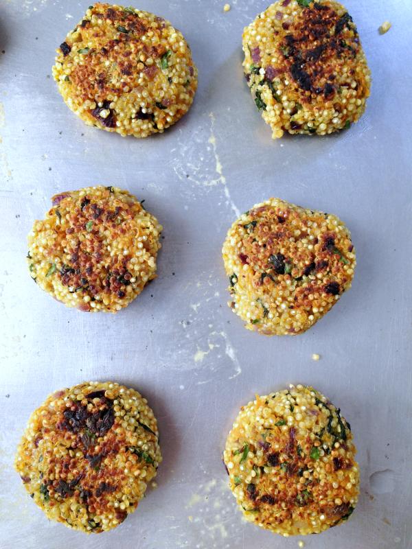 Galettes de quinoa aux légumes vegan végétalien