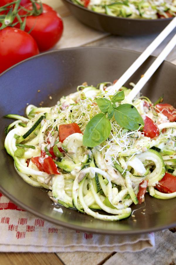 Spaghettis courgettes crues sauce cajou vegan végétalien