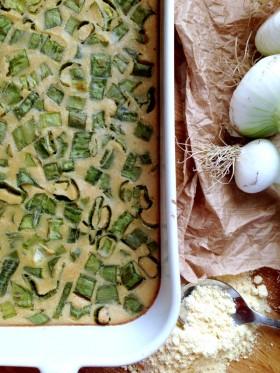 Green clafoutis aux queues d'oignons vegan végétalien sans gluten